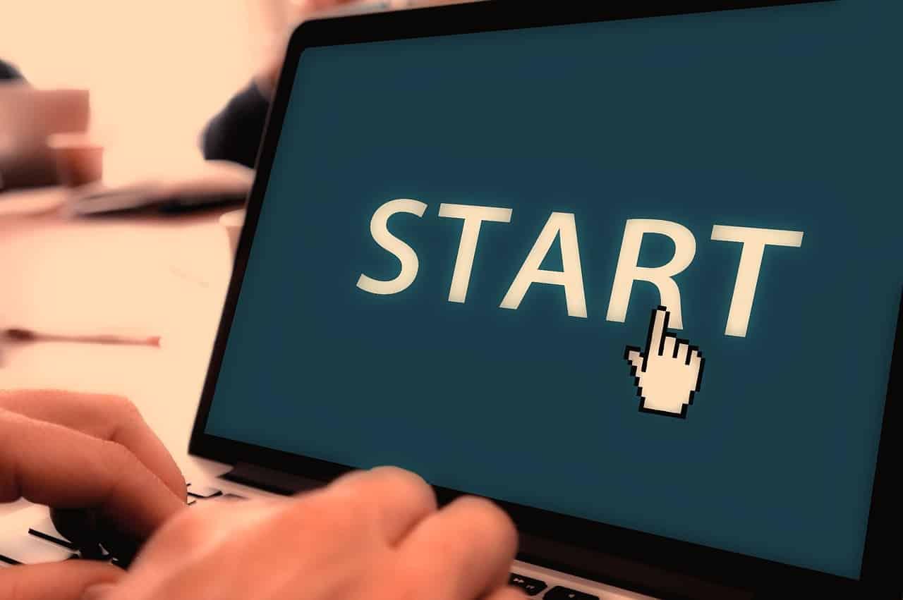 คอมพิวเตอร์ จอ Start
